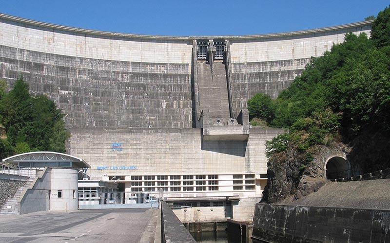 Classe d'eau en Auvergne | Élément Terre - barrage de Bort-les-Orgues