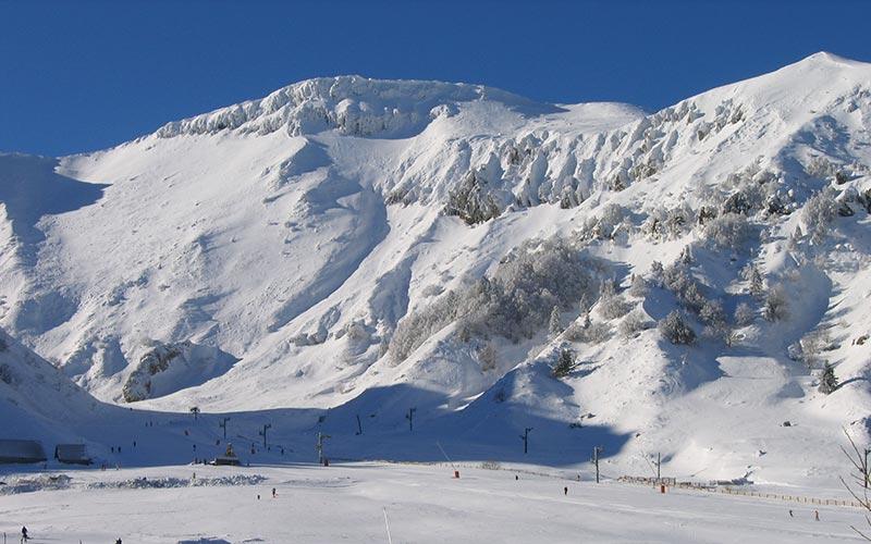 Classe de montagne en hiver en Auvergne | Élément Terre - station du Mont-Dore en hiver