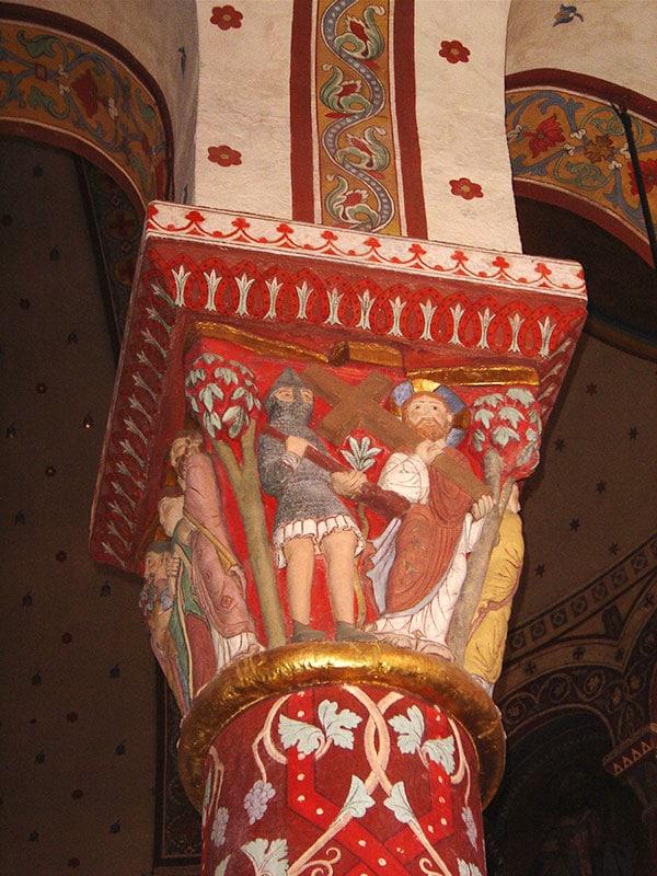 chapiteau d'église romane - classe médiévale avec Élément Terre en Auvergne