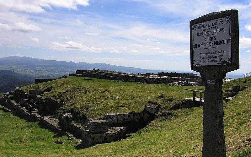 Temple de Mercure au Puy-de-Dôme - Séjour Gaulois et gallo-romains |Élément Terre