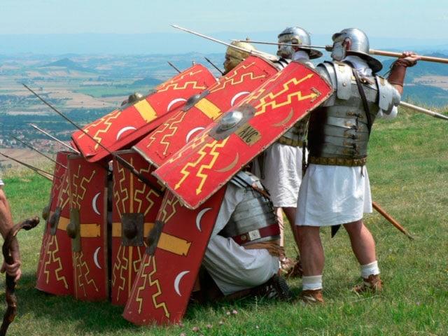 reconstitution Guerre des Gaules à Gergovie - Séjour Gaulois et gallo-romains |Élément Terre