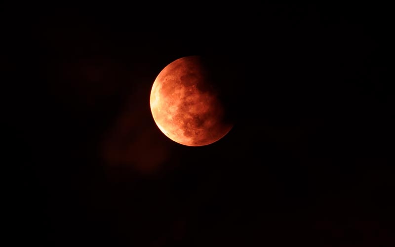 Astronomie en Auvergne | Élément Terre - © Jonathan Leung-Flickr - éclipse de lune