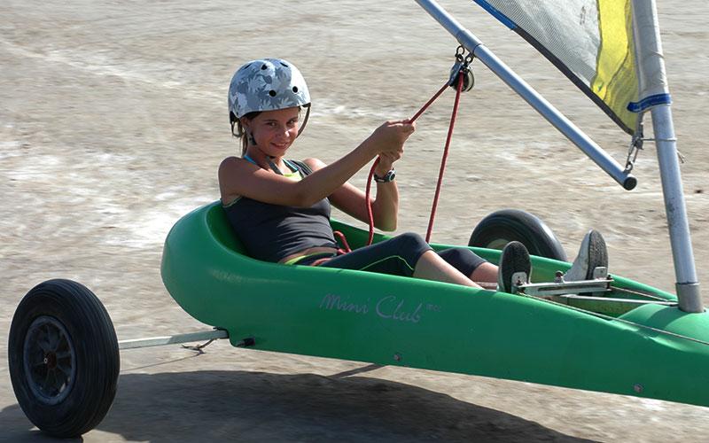 apprentissage du char à voile avec Élément Terre - © Tourisme-Leucate/Flickr