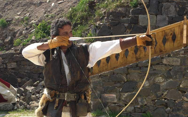 tir à l'arc avec Élément Terre au château de Murol